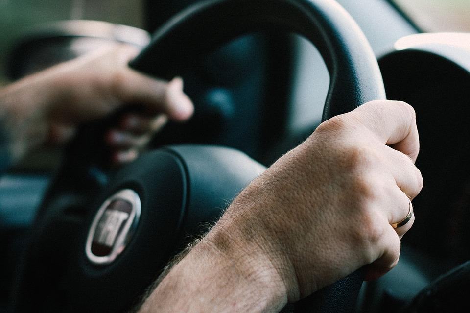 Het rijbewijs voor je 18de, is dat wel zo verstandig?